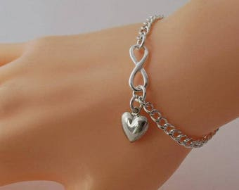 Mother of the bride Gift, Mom Heart Bracelet, Infinity Bracelet, Sterling Silver Mothers day Gift, Heart Charm Bracelet, Silver Heart Charm