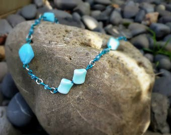Blue multi-link bead necklace