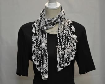 tricolor crochet scarf black gray and white