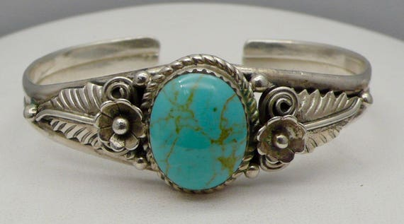Vintage Southwest Navajo Native American Sterling Silver & Turquoise Cuff Bracelet