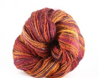 "Spinning wheel ""Giroflet"" hand spun wool"