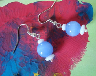Fancy earrings simple Pearl White and blue