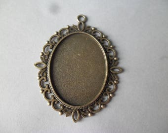 bronze oval cameo pendant/support 1 x 6.2 x 5 cm