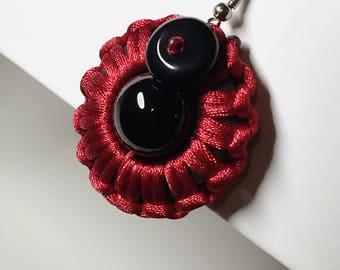 Hand-made Wooden Knitted Black Onyx Earring