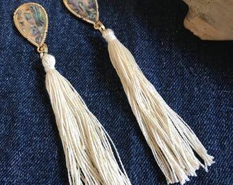 Shell tassel earring