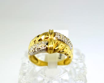 14k Gold And Crystal Ring. Size 8.5