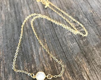 Simple necklace plated gold with zirconium Crystal
