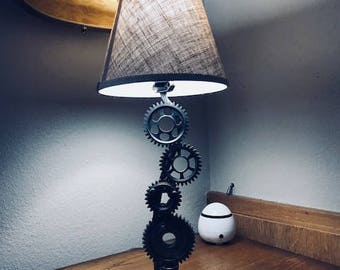 Upcycle table lamp