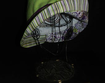 Green wool winter hat, shape mi-vague mi-pointe