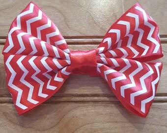 Holiday hair bow, Christmas hair bow, candy cane hair bow, red and white hair bow, girls hair bow