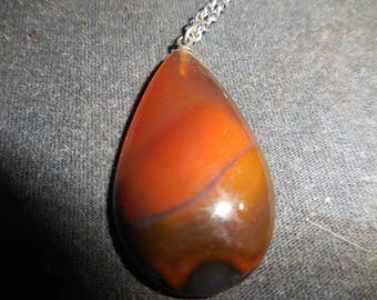 tear drop shaped agate necklace with siver chain