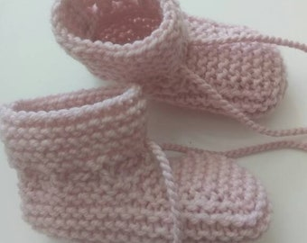 knit baby booties | pale pink | 0-6 months