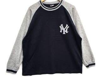 Rare!! New York Major League Baseball Sweatshirt Big Logo Pull Over