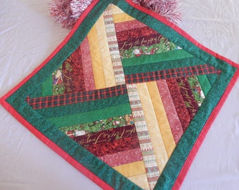 Quilted Square Christmas Table Centrepiece