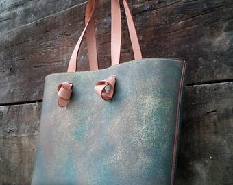 Tote No.1. 100% veg-Tan Italian leather tote