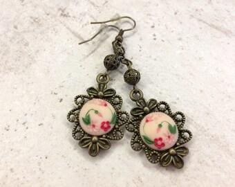 Floral earigs, polymer clay earings, pink