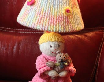 Knitted child's lamp