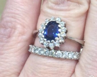 Stunning natural sapphire diamond halo ring