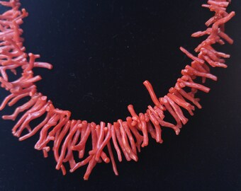 Rare Vintage Coral Necklace- Salmon Coral- Mid-Century- Collectable Jewelry- Natural Coral- Graduated Necklace- Mermaid Necklace- Beachwear
