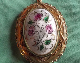 14 ct yellow gold brooch enamelled with flowers