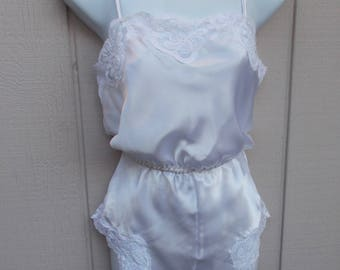 80s Vintage White Lace Trimmed Teddy Onesie / Vintage Chance Encounters tap panty teddie // size Med - Lge