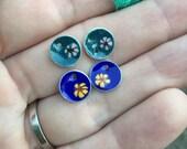 mini flower enameled earrings x2
