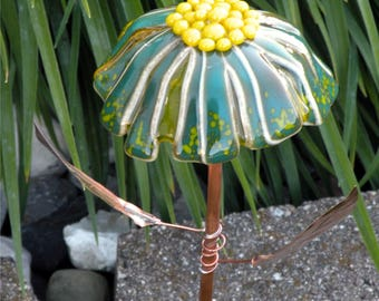 Glass Garden Stake Flower Yard Art in Peacock Green with Copper Stem & Leaves