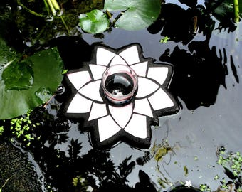 Water Lily Candle Holder, Floating Stained Glass Garden Art Sculpture, for Water Gardens, Outdoor Rooms, Stained Glass Mosaic