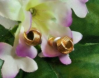 Gold Knot 6mm Vintage Earrings Vintage Gold Earrings Small Knot Earrings Gold Stud Earrings Knot Stud Earrings Costume Jewelry