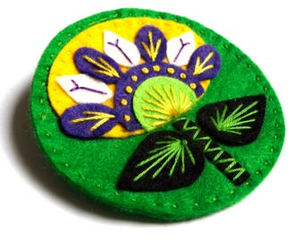 Scandi Flower felt brooch pin with freeform embroidery - scandinavian style