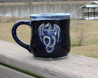 Dragon mug - black/white with blue interior