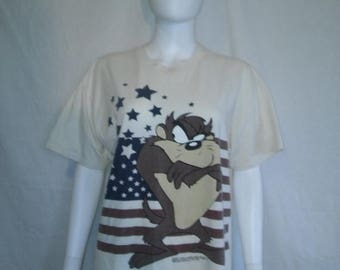 Closing Shop 40%off SALE Taz Devil American Flag t shirt Warner Bros Brothers  90s