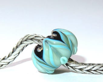 Luccicare Lampwork Bead - Green&Black Lotus -  Lined with Sterling Silver