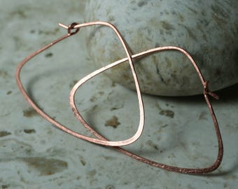 Handmade hammered solid copper large triangle hoop, one pair (item ID LEC121G18)
