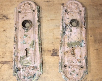 free Shipping Lot of 2 Vintage pink Escutcheon Door Key Plates chippy rusty and shabby assemblage projects birdhouse