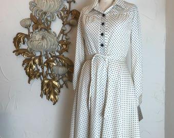 1970s dress vintage dress shirtwaist dress deadstock dress white and black polka dot dress size medium button up dress