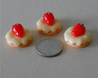 Set of 3,Miniature Cakes, Miniature Strawberry Cream Cake~ Cake, Strawberry Cake, Dollhouse Miniature Cake