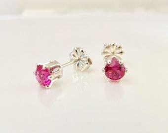 Ruby stud earrings in Sterling Silver, 4 mm Ruby