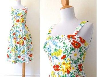 SUMMER SALE / 20% off Vintage 70s Vibrant Floral A Line Sun Dress (size xs)
