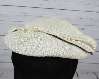 Vintage Hartman's Minneapolis Womens Hat Ivory Straw Beret Wood Bead Accents Women's Costume Retro