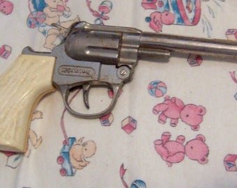 vintage hubley toy cap gun