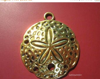 50% Off Large Sand Dollar Pendant / Charms, Antique Gold, high detail with 2mm loop 35x30mm C1210 H17