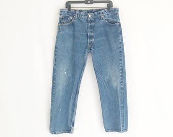 Vintage LEVIS 501 Straight Leg Jeans. Size Tagged 38 x 32. Waist: 36
