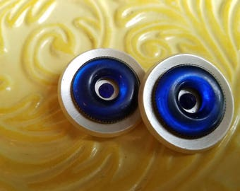 Vintage Buttons -lot of pearl white with cobalt blue ring accent celluloid( july 106 17)
