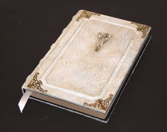 Lord of the Rings, Book, Grimoire, Tome, Sketchbook, Journal, white, gold, Silver, Crystal