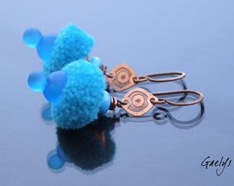 Pompom Girl Turquoise - boucles d'oreille verre et cuivre, gravure à l'eau forte - Style Bohême - lampwork - bo Gaelys