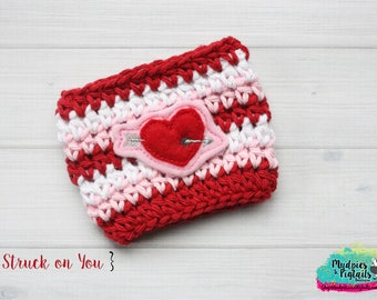 Valentine's Day Crochet Mug Sleeve { Struck on you } red, pink, cup cozy, love knit mug sweater, starbucks gift, frapuccino cup holder