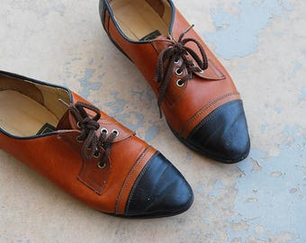 vintage 80s Oxfords - 1980s Two Tone Spectator Shoes Flats Lace up Brogues Sz 6.5 37