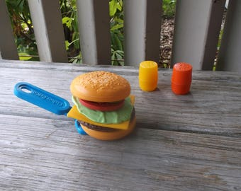 1987 Fisher Price Fun with Food Burger Deluxe Set