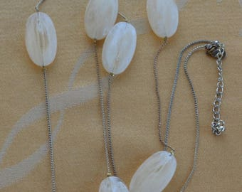 """On sale Pretty Vintage Off-White Large Beaded, Chain Necklace, Gold tone, 42""""-45"""" (B1)"""